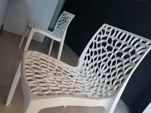 Beau mignon blanc de chaise de bureau photos stock