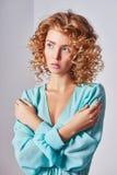 Beau modèle avec la coiffure bouclée image libre de droits