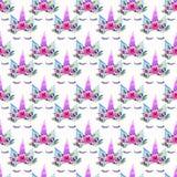 Beau modèle coloré magique féerique mignon de beau ressort lumineux des licornes avec des cils dans l'aquarelle florale de couron Image stock