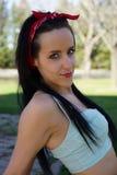Beau modèle de cheveux noirs avec des yeux bleus Images libres de droits