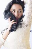Beau modèle femelle indien dans une robe blanche photo libre de droits