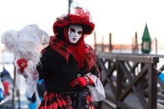 Beau modèle masqué vénitien du carnaval 2019 de Venise image libre de droits