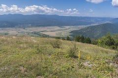 Beau Mountain View du passage de Troyan Troyan Balkan est exceptionnellement pittoresque et offre une combinaison de merveilleux images stock