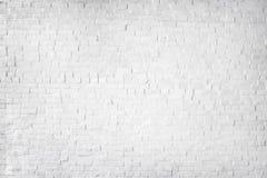 Beau mur de briques peint par blanc Photographie stock