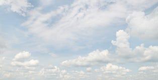 Beau nuage blanc Image libre de droits