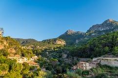 Beau panorama de la ville Estellencs sur Majorque, Espagne Photographie stock