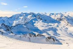 Beau panorama de montagne d'hiver dans le secteur de ski d'Obergurgl, le Tirol, Autriche Photo libre de droits