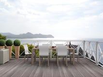 Beau patio en vue de la mer Méditerranée Photographie stock libre de droits