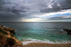 Beau paysage avec la mer et les nuages image libre de droits