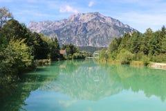 Beau paysage avec la rivière de Salzach, Autriche Photographie stock