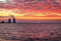 Beau paysage avec le ciel de coucher du soleil Image libre de droits