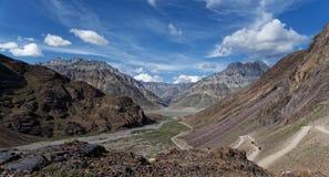 Beau paysage avec le fond coloré photographie stock libre de droits