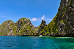 Beau paysage bleu de lagune photo stock