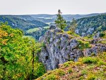 Beau paysage brillant dans le secteur de la vallée de Donau Image libre de droits