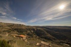 Beau paysage ? c?t? du village d'Ares del maestre photos libres de droits