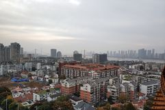 Beau paysage de campus universitaire de Wuhan photo libre de droits