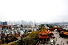 Beau paysage de campus universitaire de Wuhan image libre de droits