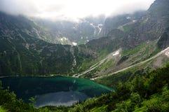 Beau paysage de lac de montagne Hauts tatras poland Photos stock