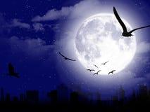 Beau paysage de lune avec la silhouette de ville Photographie stock libre de droits