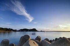 Beau paysage de matin le long du rivage images libres de droits