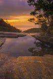 Beau paysage de montagne au lever de soleil photographie stock libre de droits