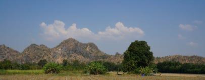Beau paysage de montagne dans la province de Kanchanaburi, Thaïlande Photo libre de droits