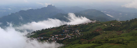 Beau paysage de montagne dans Phutabberk Phetchabun, Thaïlande Images stock
