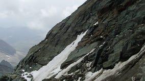 Beau paysage de montagne de grossglockner banque de vidéos