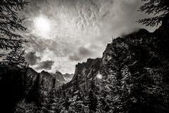 Beau paysage de montagnes de Tatry en noir et blanc Photo libre de droits