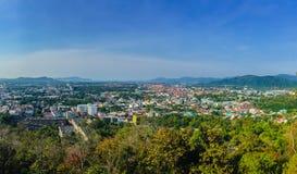 Beau paysage de panorama dans 180 degrés de vue de ville de Phuket Photographie stock libre de droits
