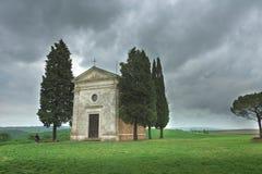 Beau paysage de ressort en Toscane photos stock