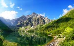 Beau paysage des montagnes de Tatra et de l'oeil de la mer image stock