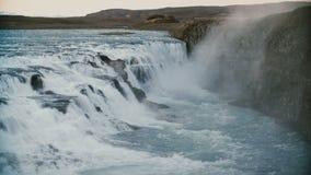 Beau paysage des montagnes et de l'eau Vue de la cascade étonnante de Gullfoss en Islande Photos libres de droits