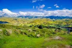 Beau paysage des montagnes près du volcan de Quilotoa Quilotoa est le volcan occidental dans les Andes s'étendent et sont Photos stock