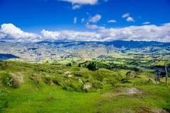 Beau paysage des montagnes près du volcan de Quilotoa Quilotoa est le volcan occidental dans les Andes s'étendent et sont Photographie stock libre de droits
