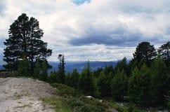 Beau paysage montagneux de la Norv?ge photo stock