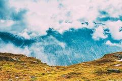 Beau paysage norvégien de montagnes Nature de la Norvège photographie stock libre de droits