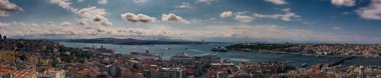Beau paysage urbain panoramique d'Istanbul Photos libres de droits