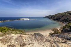 Beau paysage vibrant, baie de Limnionas sur l'île de Kos, photos stock