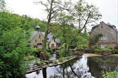 Beau petit village de Pont Aven en Brittany France image libre de droits