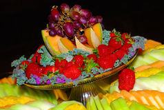 Beau plateau de fruit. Images stock