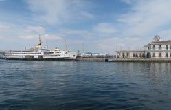 Beau port à prince Island Buyukada en mer de Marmara, près d'Istanbul, la Turquie images stock