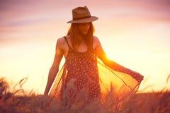 Beau portrait d'une fille heureuse insouciante Image libre de droits