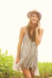 Beau portrait d'une fille heureuse insouciante Image stock