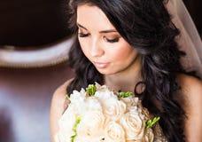 Beau portrait de plan rapproché de jeune mariée Photos libres de droits