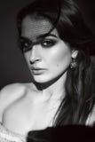 Beau portrait sexy de beauté de maquillage de soirée de femme de brune Photographie stock