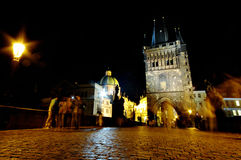 Beau Prague la nuit image libre de droits