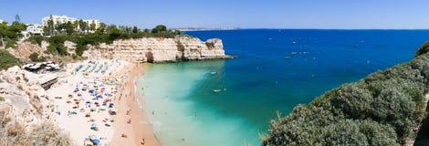 Beau Praia DA Senhora DA Rocha de plage au Portugal, Algarve - photo de panorama Image stock