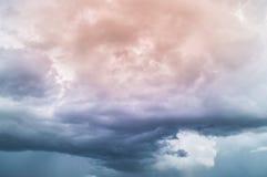 Beau résumé de ciel bleu et de nuage, utilisé comme fond et texture image libre de droits