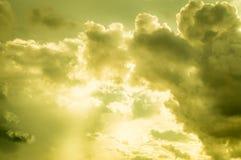 Beau résumé de ciel et de nuage, utilisé comme fond et texture images libres de droits